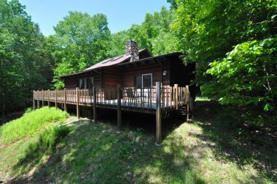 Photo of 531 Finn Swamp Rd, Lakeville, PA 18438