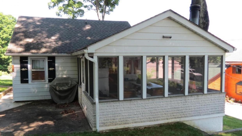 163 Lake View Rd, Greentown, PA 18426