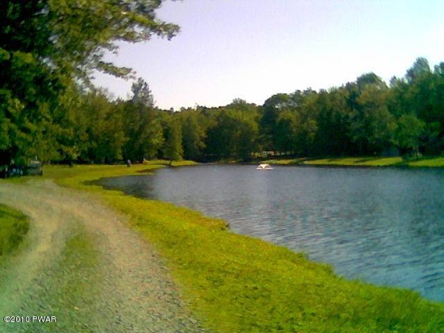 1356 Deer Run, Milford, PA 18337