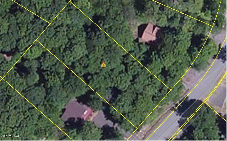 1361 Woodhill Ln, Lake Ariel, PA 18436