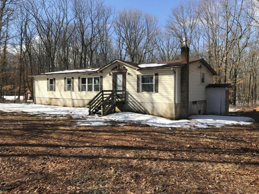 118 Center Trl, Hawley, PA 18428