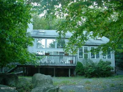 Photo of 109 Corral Ln, Lords Valley, PA 18428