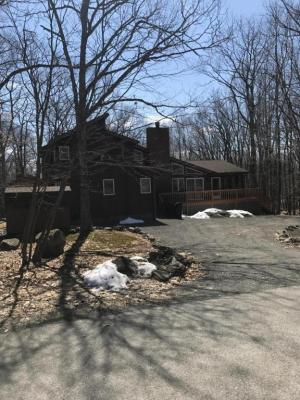 Photo of 101 Ledgeway Ln, Lords Valley, PA 18428