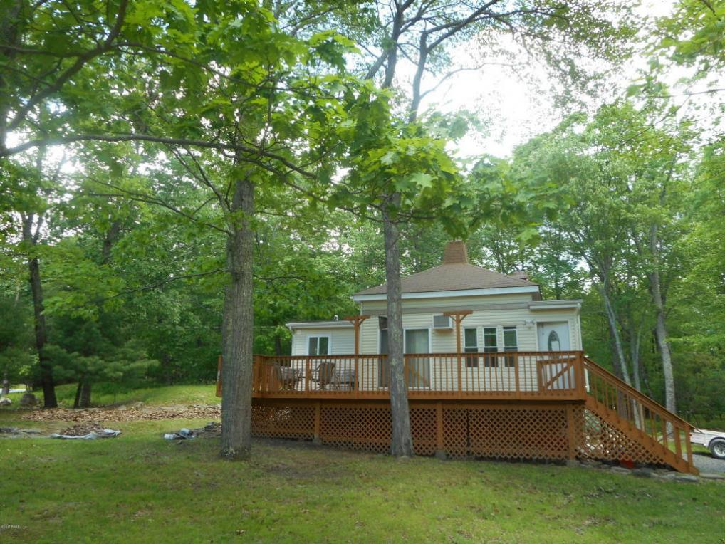 129 Racoon Rd, Dingmans Ferry, PA 18328