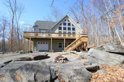 Photo of 108 Constitution Dr, Lackawaxen, PA 18435