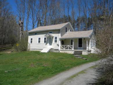 562 Kennedy Creek Rd, Dalton, PA 18414