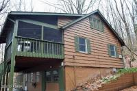 413 Lakeside Dr, Lakeville, PA 18438