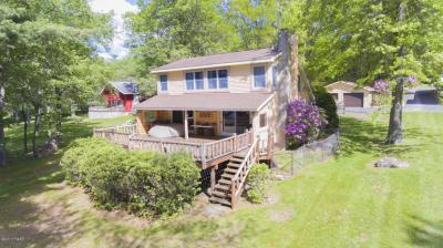 Photo of 109 Cottage Lake Dr, Greentown, PA 18426