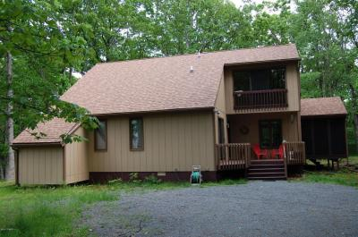 Photo of 814 Osprey Court, Lords Valley, PA 18428