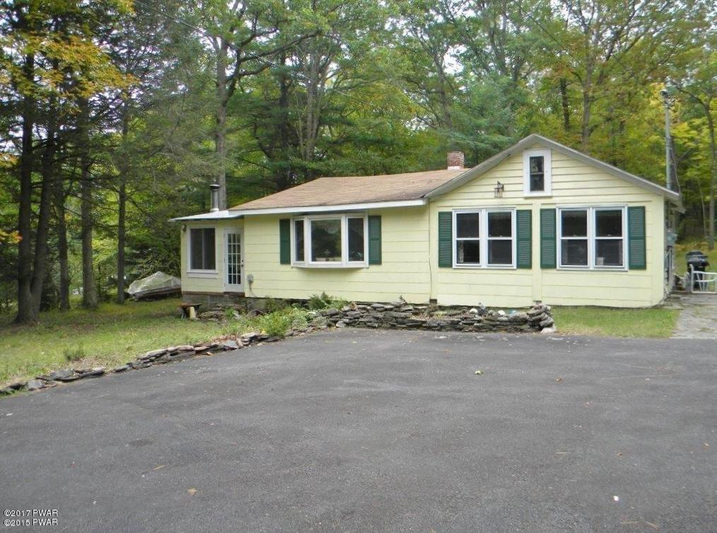 403 Route 590, Greeley, PA 18425