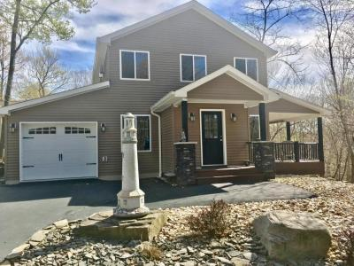 Photo of 1099 Deer Valley Rd, Lake Ariel, PA 18436
