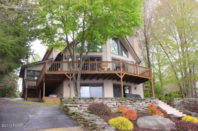 Photo of 2152 Lakeview Dr, Lake Ariel, PA 18436