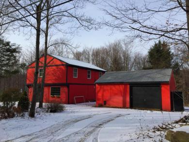 63 Nevin Rd, Newfoundland, PA 18445