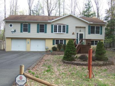 Photo of 1028 Cedar Dr, Lake Ariel, PA 18436
