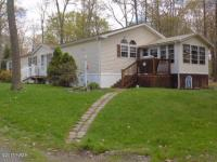 107 Yellow Pine Ct, Tafton, PA 18464