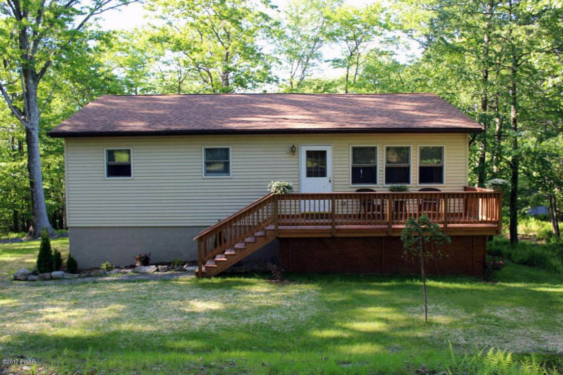 296 Lookout Point Rd, Canadensis, PA 18325