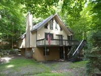 3585 Chestnuthill Dr, Lake Ariel, PA 18436