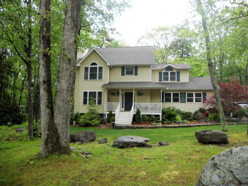 106 Eisenhower Dr, Lords Valley, PA 18428