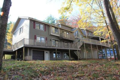 Photo of 109 Chipmunk Dr, Tafton, PA 18464