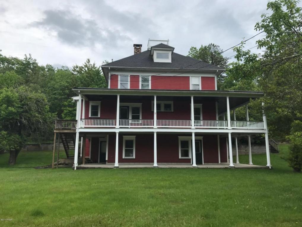 237 Woodtown Rd, Shohola, PA 18458