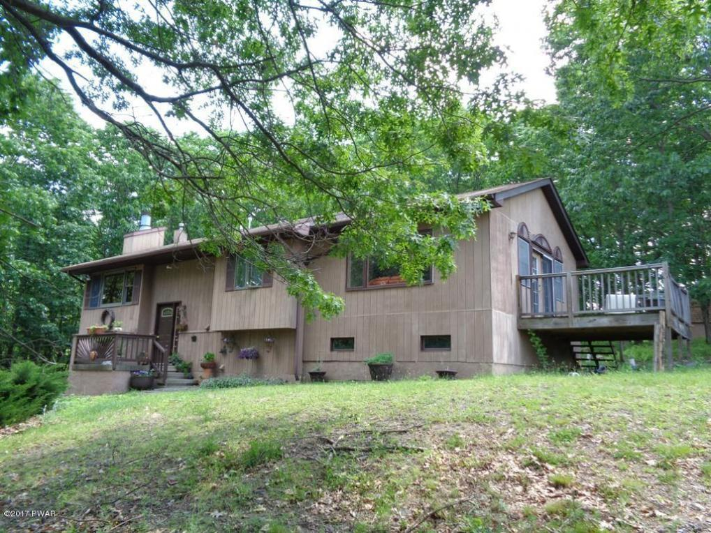 127 Mountainview Rd, Greeley, PA 18425