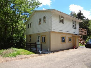 154 Hemlock Grove Road, Greentown, PA 18426
