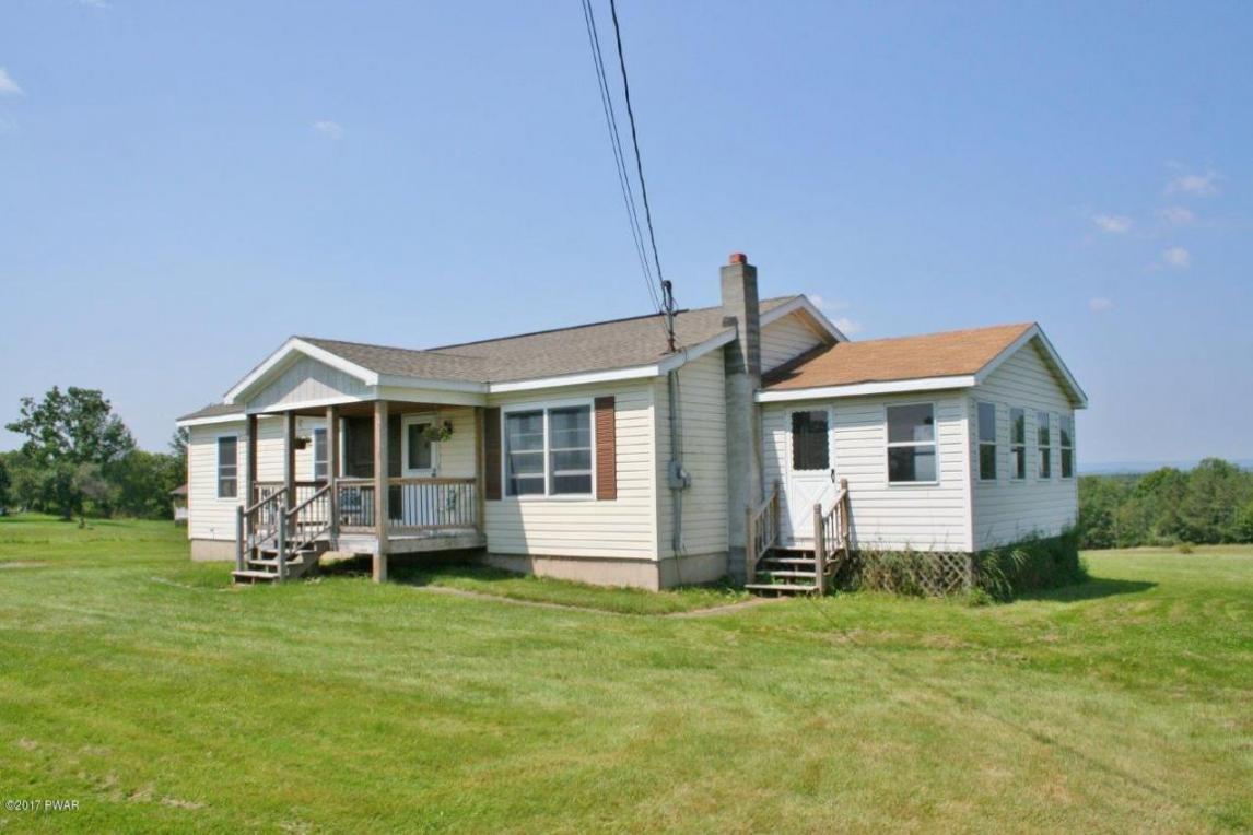 327 St Mary Church Rd, Lake Ariel, PA 18436