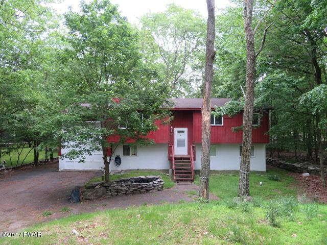 136 Roundhill Rd, Dingmans Ferry, PA 18328