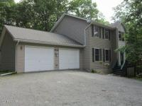 109 Firelight Ln, Lackawaxen, PA 18435