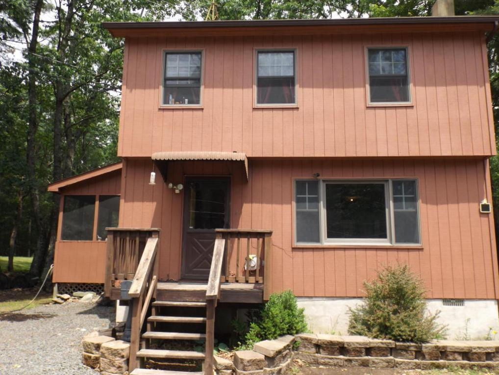 101 Hound Rd, Dingmans Ferry, PA 18328