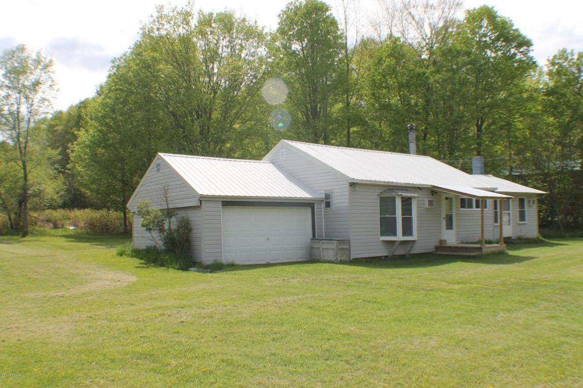 43 Penn York Rd, Starlight, PA 18461