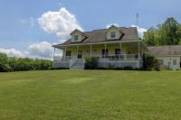 76 N Barnes Rd, Moscow, PA 18444