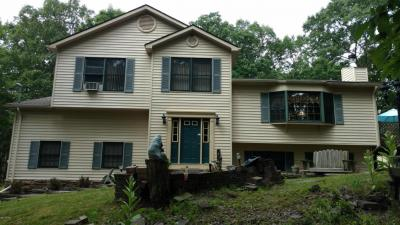 Photo of 54 Willows Dr, Hawley, PA 18428
