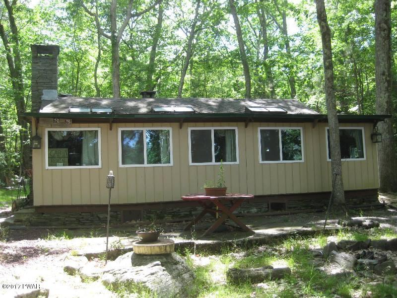 115 Mosier Rd, Dingmans Ferry, PA 18337