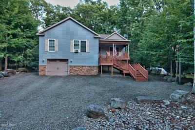 Photo of 3519 Burnwood Pt, Lake Ariel, PA 18436