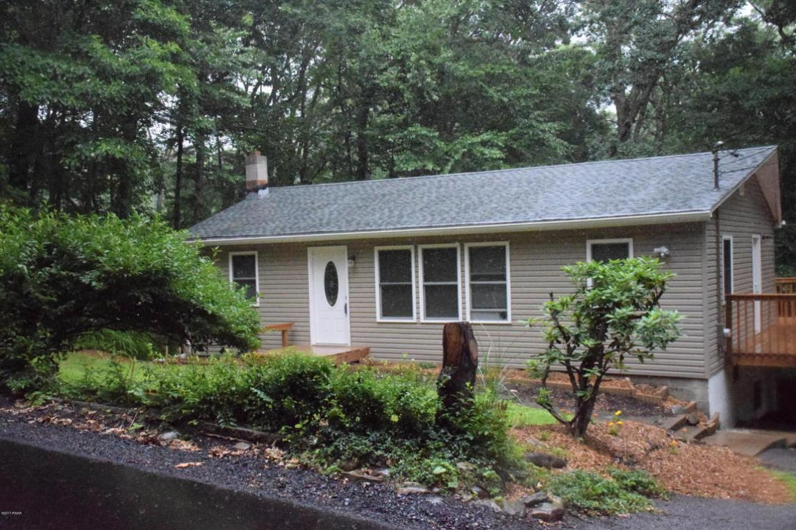 178 Outer Dr, Dingmans Ferry, PA 18328