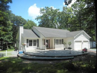 120 Maple Ridge Dr, Lords Valley, PA 18428