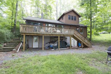 5 Oak Hill, Lakeville, PA 18438