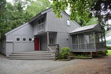 109 Fairway Bay, Lords Valley, PA 18428