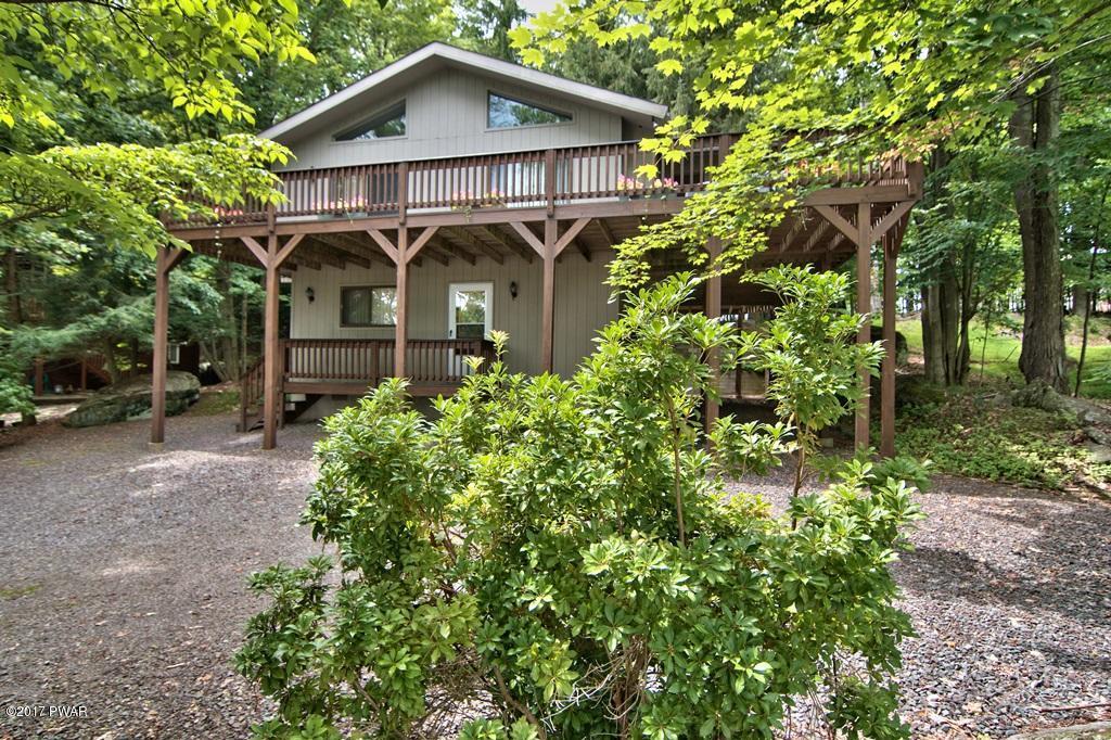 1218 W Lakeview Dr, Lake Ariel, PA 18436