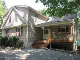 114 Red Breast Ln, Lackawaxen, PA 18435