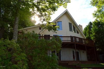 Photo of 1209 W Lakeview Dr, Lake Ariel, PA 18436