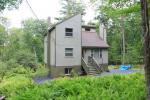 274 Tinkwig Dr, Hawley, PA 18428 photo 2