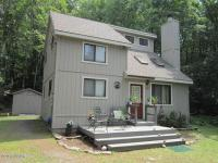 195 Pebble Rock Rd, Lackawaxen, PA 18435