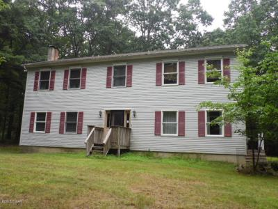 Photo of 106 Hobblebush Ct, Milford, PA 18337