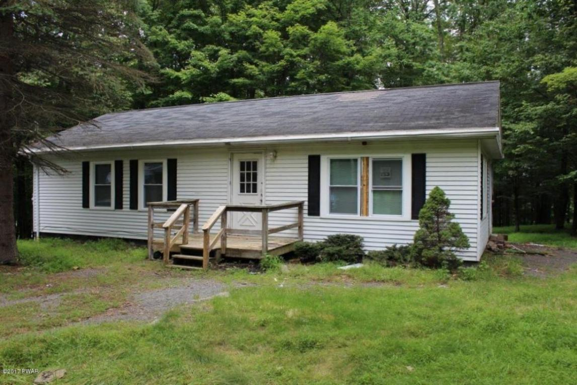 94 Humming Bird Ln, Hawley, PA 18428