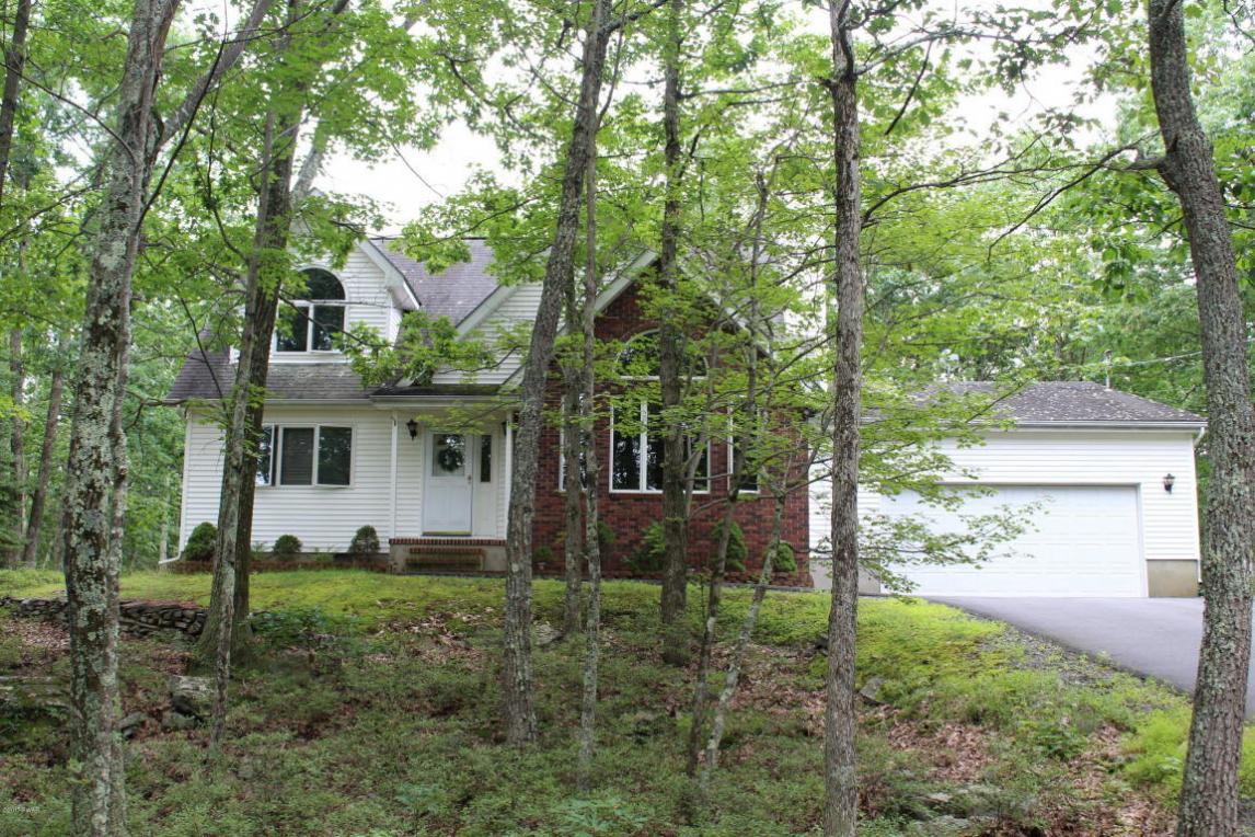 219 Maple Ridge Dr, Lords Valley, PA 18428