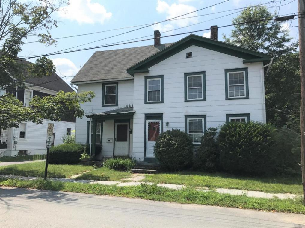 1214 West St, Honesdale, PA 18431