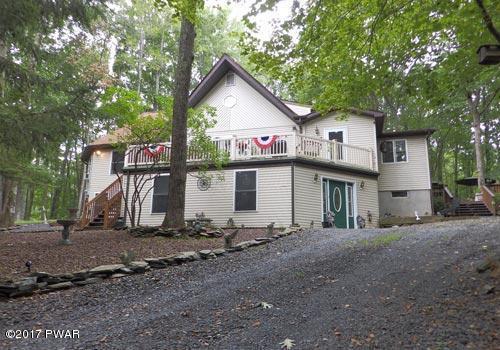 105 Roundhill Ct, Dingmans Ferry, PA 18328