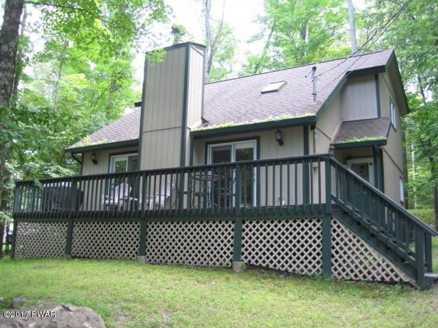 60 Lower Playground Trl, Hawley, PA 18428